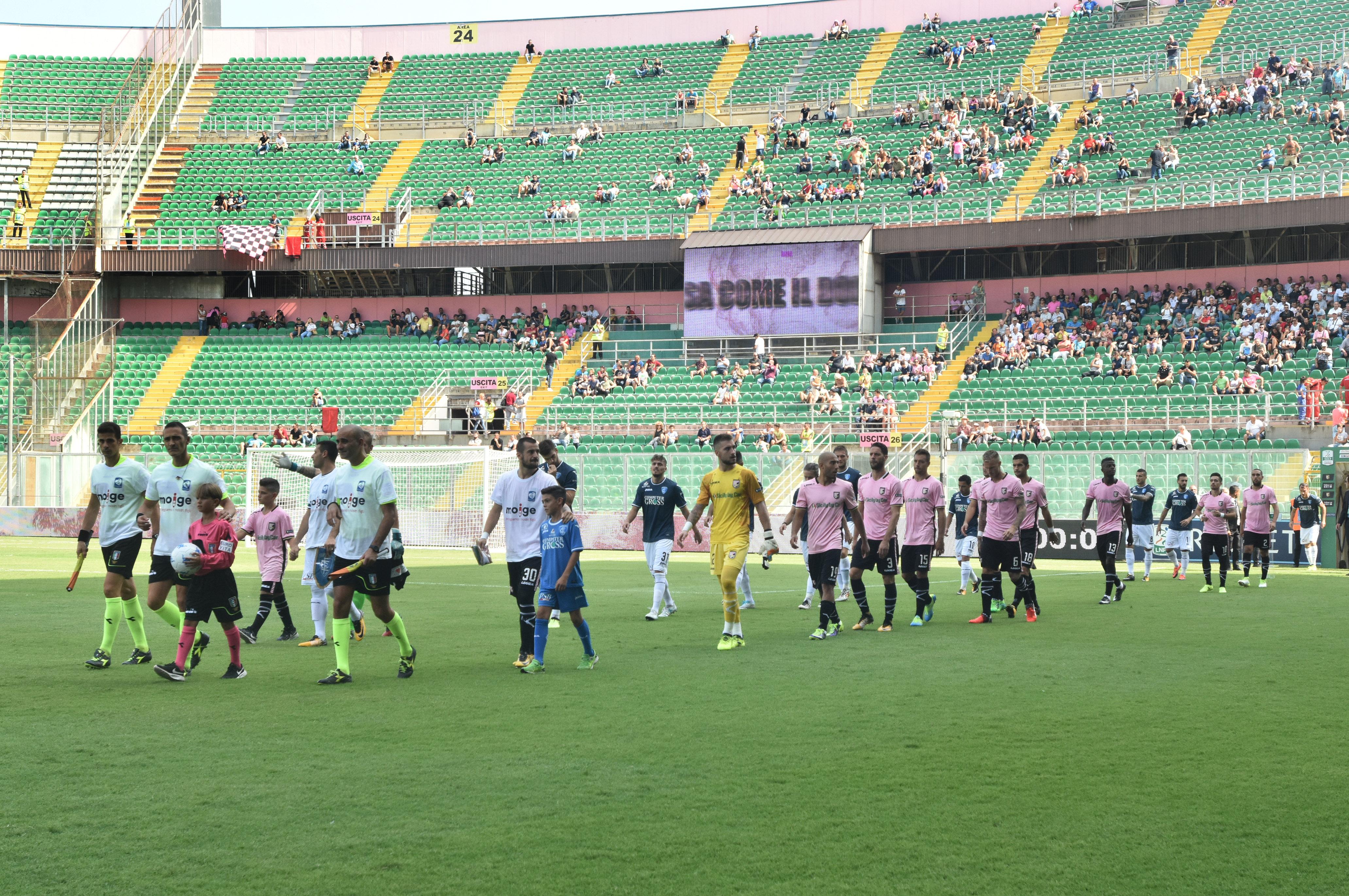 Una partita pazza. Il Palermo va in vantaggio di due gol contro l'Empoli grazie a Cionek e Coronado. La squadra di Vivarini rimonta ma Gnahoré segna per il nuovo vantaggio dei rosanero. Caputo, su rigore, pareggia la gara. Nestorovski e compagni si rammaricano per la grande occasione sprecata. LA CRONACA DEL MATCH LE PAGELLE DI GUIDO MONASTRA GLI HIGHLIGHTS IL POST-PARTITA
