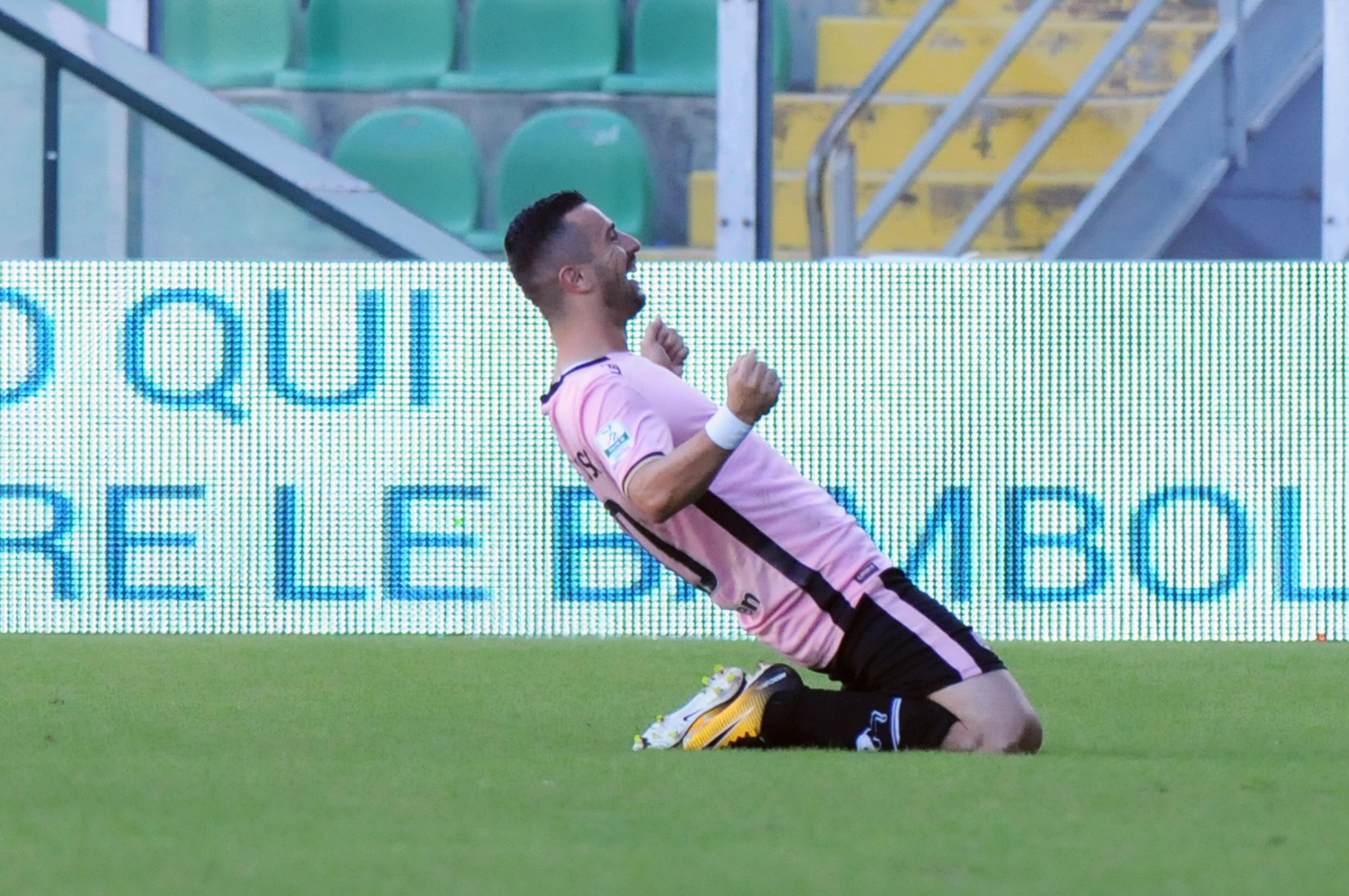 Seconda vittoria consecutiva per il Palermo, che dopo la sconfitta interna contro il Novara reagisce con 6 punti in due gare. Decisivo ancora una volta Ilija Nestorovski con una doppietta. Nella gara si segnala l'infortunio di Michel Morganella e il record negativo di presenze al Barbera. LA CRONACA LE PAGELLE DI GUIDO MONASTRA GLI HIGHLIGHTS IL POST-PARTITA