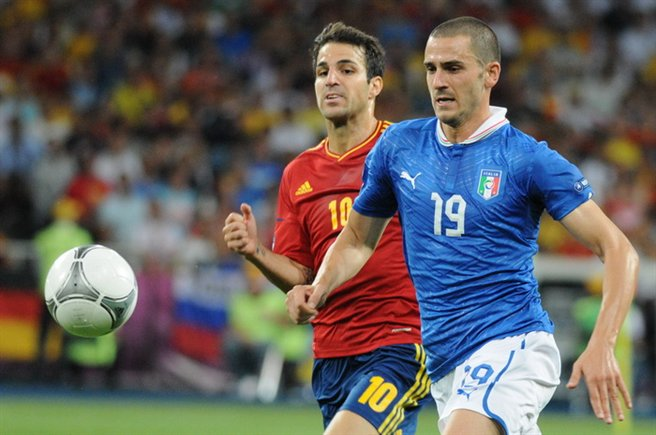 Leonardo_Bonucci_and_Cesc_Fàbregas_Euro_2012_final