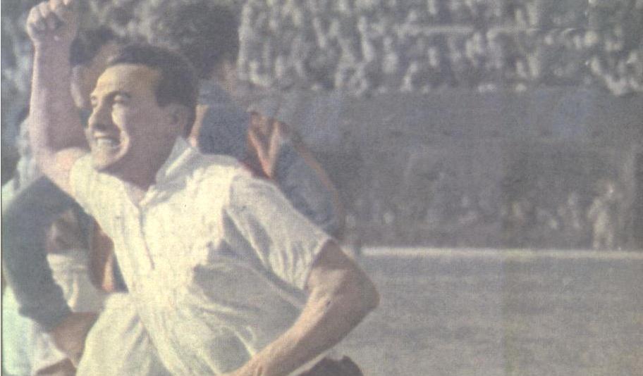 """Addio ad uno dei più grandi di sempre. All'età di 89 anni, è scomparso oggi 13 novembre 2017, Santiago """"Ghito"""" Vernazza, indimenticato bomber del Palermo negli anni del secondo dopoguerra. Era stato acquistato dal Palermo nel 1957 e per il grande giocatore argentino quella rosanero fu la prima esperienza in Italia. Con il Palermo ha segnato ben 51 gol in 115 partite (due campionati di A e due di B). Ha vinto anche la classifica dei cannonieri in serie B e dopo Palermo andò a giocare nel Milan. Leggendaria la potenza del suo tiro di destro, gli argentini amavano dire"""