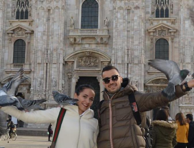 """Una giornata di relax a Milano per Ilija Nestorovski, che prima di rientrare a Palermo per la ripresa degli allenamenti (fissata per domani) si gode il sole e le bellezze di Piazza Duomo. Ecco gli scatti postati su Instagram con la moglie Martina, che li riprendono di fronte il Duomo di Milano e seduti al tavolo di uno dei ristoranti più chic della piazza milanese. FOTO DA INSTAGRAM LEGGI ANCHE DI DONATO: """"ZAMPARINI? AI MIEI TEMPI LO STADIO ERA PIENO"""" IL """"GAZZETTINO INSISTE: ZAMPARINI FRA I DEBITORI DI BPV ITALIA FUORI DAI MONDIALI: L'IMPATTO ECONOMICO IL FUTURO DI VENTURA E"""