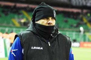 Tedino imbacuccato Mascherato Palermo Salernitana