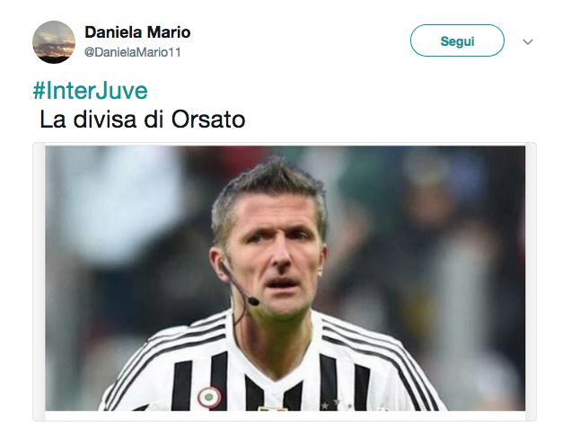 Ancora Inter – Juventus, ancora polemiche e di mezzo c'è anche il VAR. Oltre al clima carico nei giorni che hanno preceduto il big match di San Siro per le ricorrenti polemiche per il fallo non fischiato a Ronaldo nel 1998, adesso il web si scaglia contro le decisioni dell'arbitro Orsato, che nel primo tempo prima estrae il rosso diretto per Vecino al 18′ del primo tempo, poi grazia Pjanic per un intervento che poteva costargli il secondo giallo. Al 18′ del primo tempo, l'arbitro fischia fallo al giocatore nerazzurro, che viene ammonito per un'entrata in netto ritardo su Mandzukic: