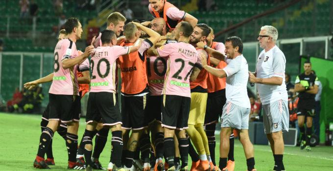 Palermo - Cremonese esultanza gol Trajkovski