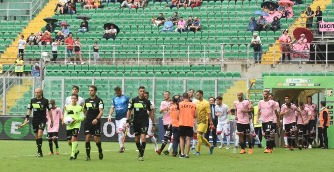 Palermo Perugia ingresso in campo squadre