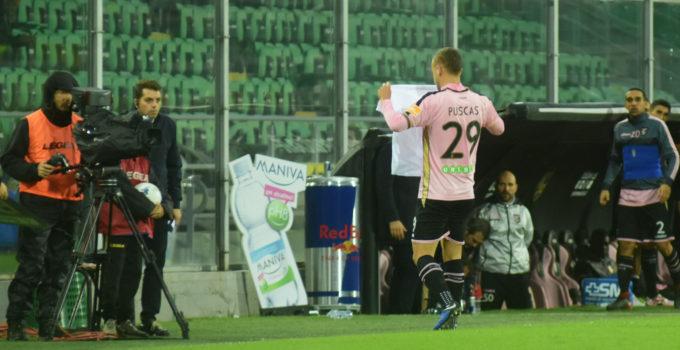 Palermo Cosenza Puscas dedica