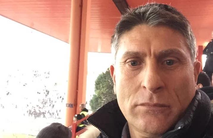 """Massimiliano Favo, a Perugia, porta bene. C'era anche lui in tribuna al Renato Curi per assistere e celebrare la vittoria del Palermo, la prima dei rosa dopo il memorabile 1-2 del 9 maggio 1993, le cui immagini (riproposteda Stadionews) hanno scatenato la nostalgia dei tifosi e anche dell'ex capitano rosanero. VITOGOL: """"PERUGIA NUOVO INIZIO. E LE MIE URLA…."""" Un video che sta diventando """"virale"""" e che ha portato bene (persino il risultato è stato identico), ma Favo vuolesottolineareanche il suo di contributo: """"Non solo il video ha portato bene😜"""". Puntuale la risposta del nostro direttore, Guido Monastra: """"Guarda che eri"""