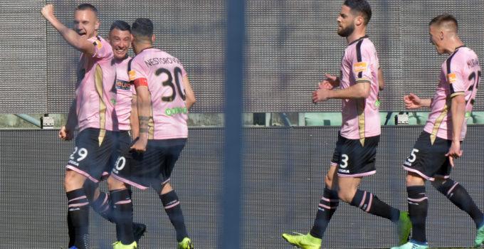 Gol falletti esultanza Palermo Carpi